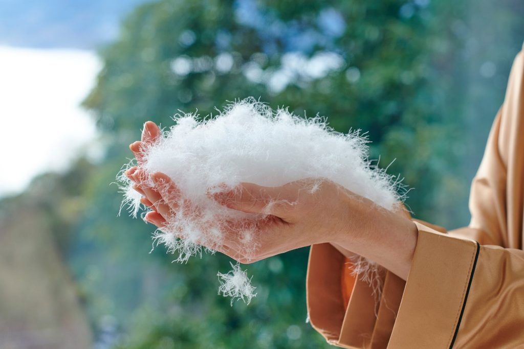 和雲の羽毛